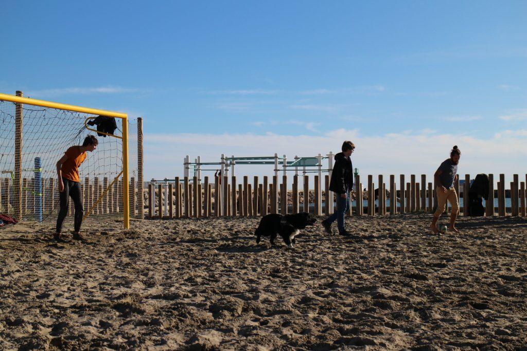 match sur la plage